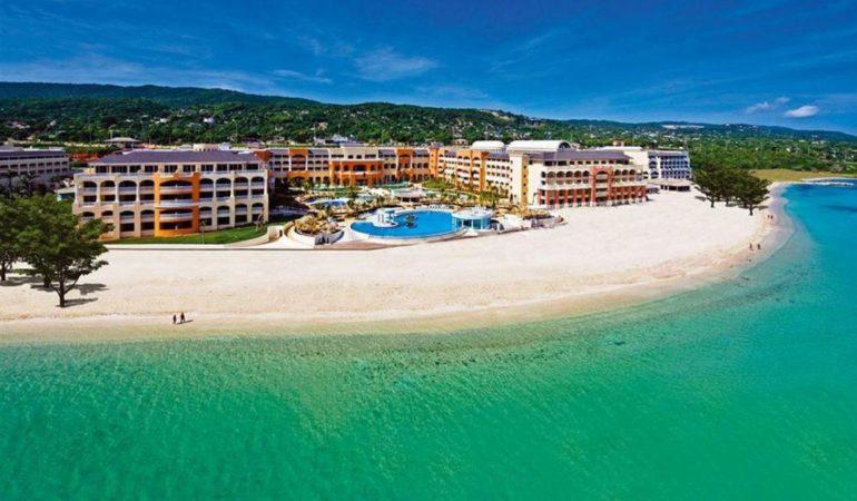 Jamaica. ¡Arenas blancas, mar turquesa, diversión y la mejor hotelería!