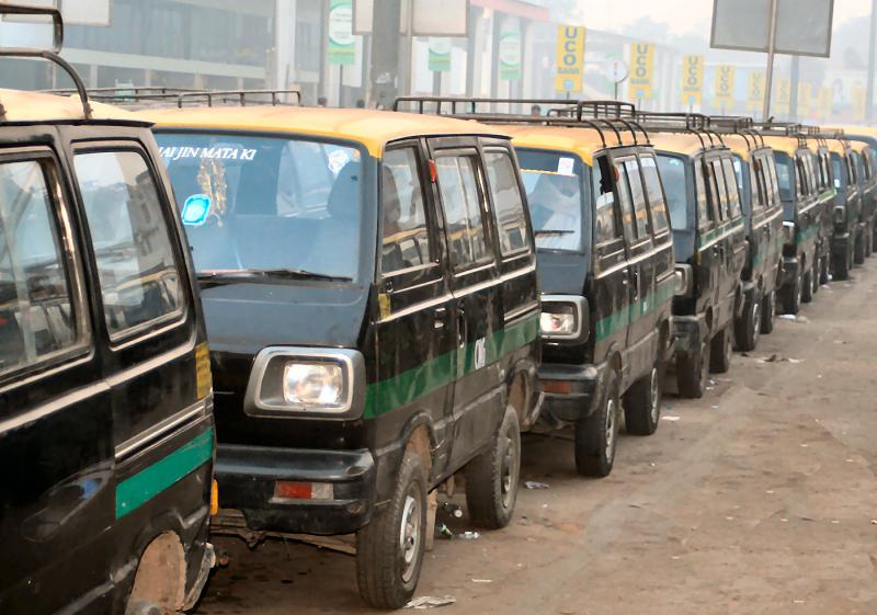 taxi nueva delhi india