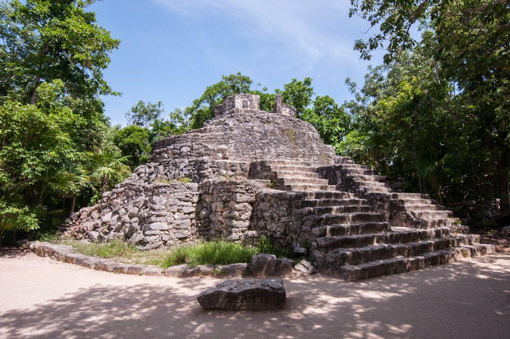 arqueologia xcaret mexico