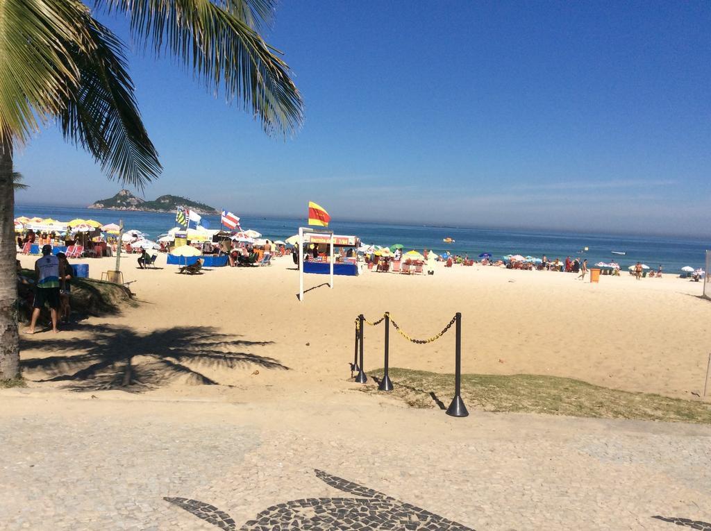 praia do pepe barra de tijuca rio de janeiro brasil