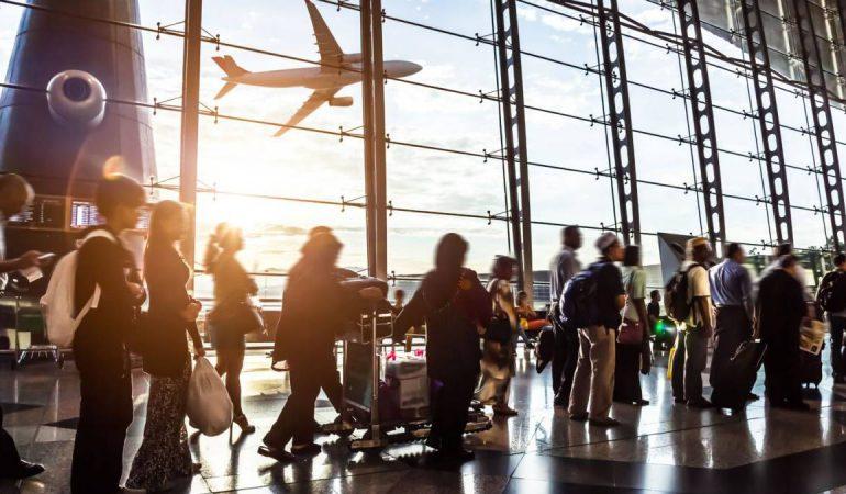 Volver a volar: las 10 medidas de protección que proponen las aerolíneas