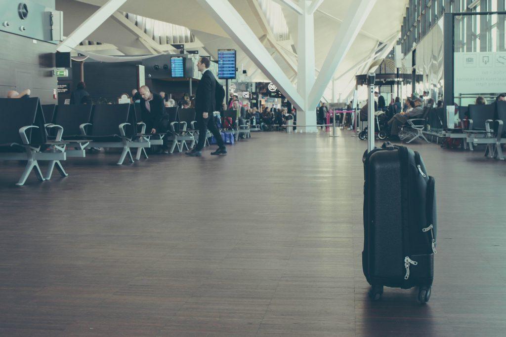 Valija en aeropuerto